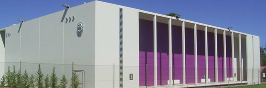 School Building Gets a Splash of Stainless Colour